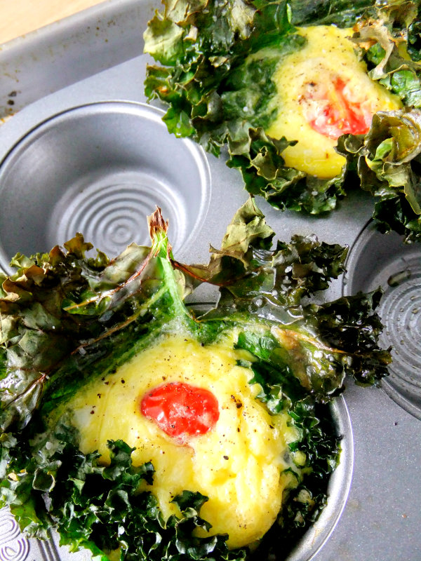 kale baked eggs