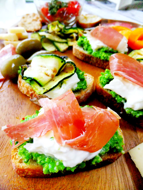 crostini with garden pestos