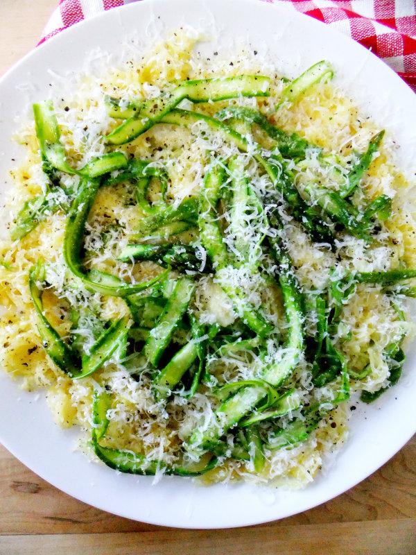 spaghetti squash cacio e pepe style with asparagus