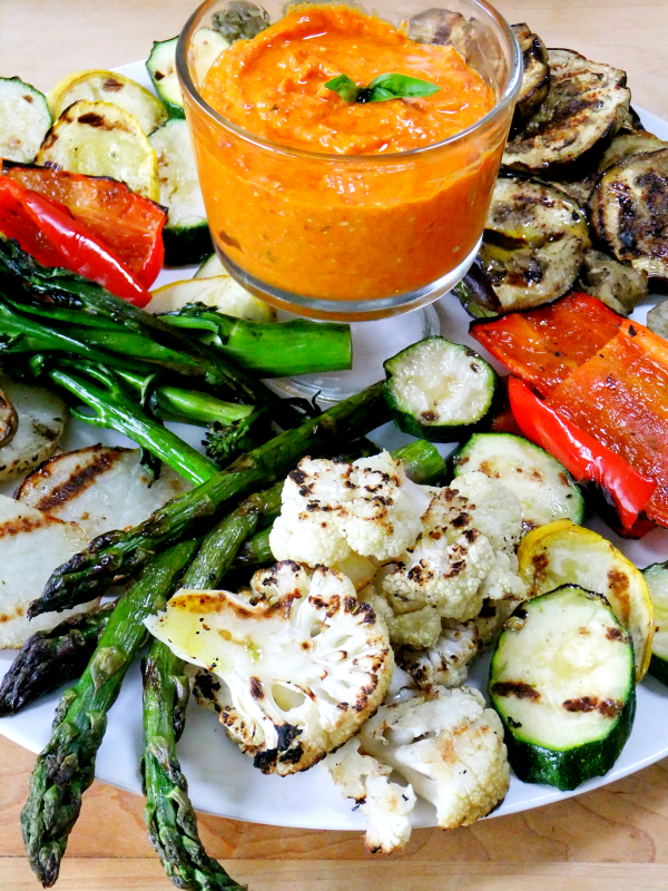 grilled veggies with red pepper feta dip