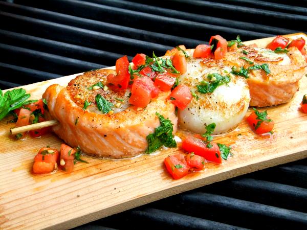 salmon wrapped jumbo scallops