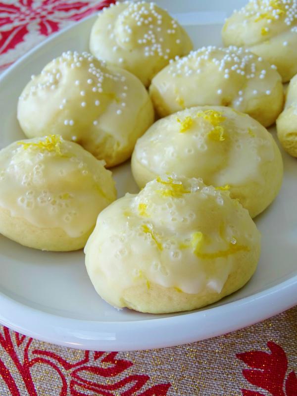 anginetti, Italian lemon knots