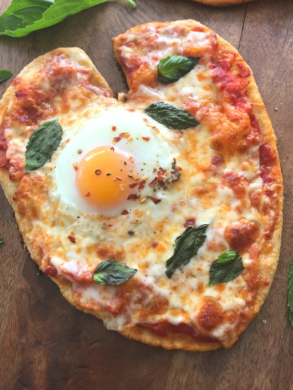 heart pizza with egg