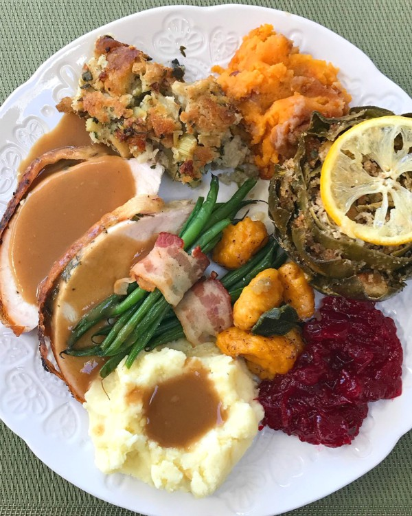 Thanksgiving food plate