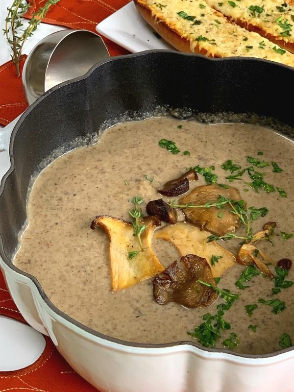 pot of mushroom soup